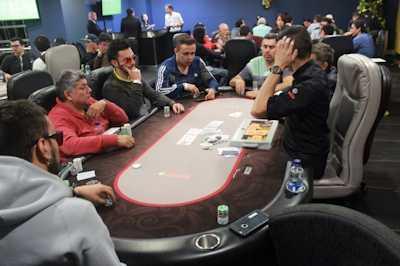 Pokeri naama